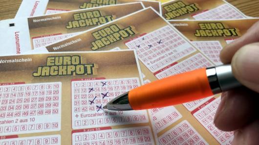 Ganze 40.000 Pfund hat David Stokes (43) im Lotto gewonnen – doch was er dann tat, ist mehr als schockierend. (Symbolbild)