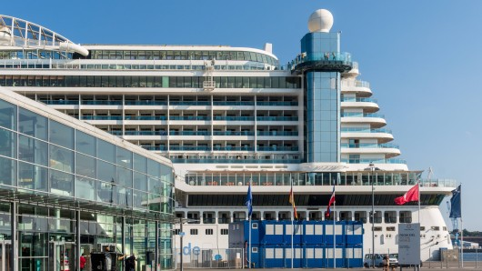 Viele Menschen sind nach einem Aufenthalt an Bord eines Kreuzfahrtschiffes erkrankt. (Symbolbild)