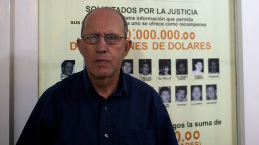 "Roberto Escobar ist Chef der Firma ""Escobar Inc.""."