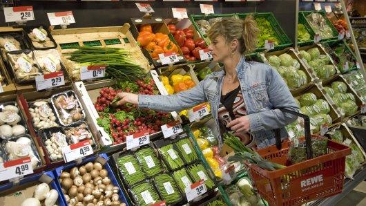 Eine Frau machte in der Gemüseabteilung von Rewe ein besondere Entdeckung. (Symbolbild)