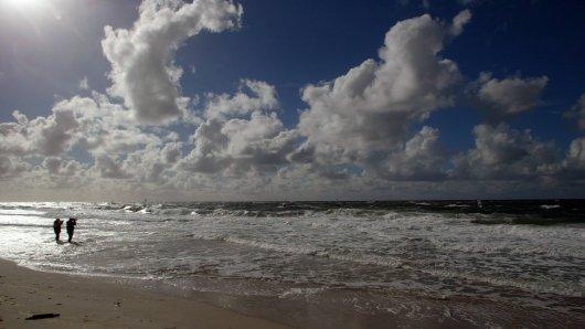 Ein Fotograf aus Sylt hat eine furchtbare Entdeckung am Strand gemacht. (Symbolbild)