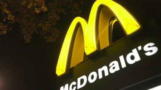 Unfassbare Ankündigung: Bei McDonalds kannst du bald heiraten!