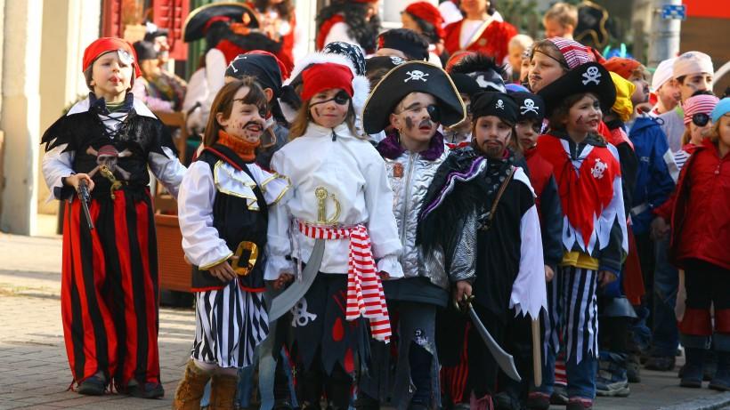 """""""Karneval""""-Verbot an Schule – stattdessen müssen Kinder jetzt DAS feiern"""