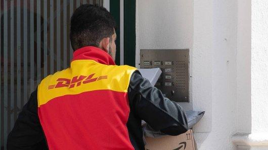 DHL: Um Zusteller und Empfänger vor dem Coronavirus zu schützen, hat die Post drei Maßnahmen ausgerufen. (Symbolbild)