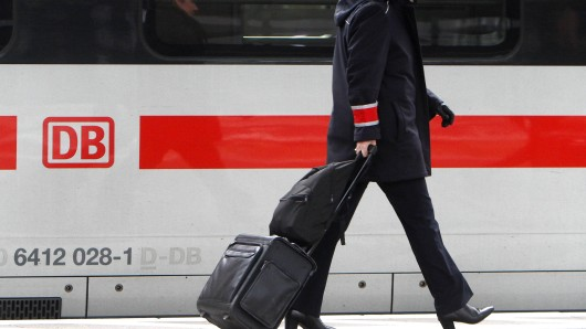 Das Coronavirus hat auch einige Auswirkungen auf die Deutsche Bahn und ihre Fahrgäste. (Symbolbild)