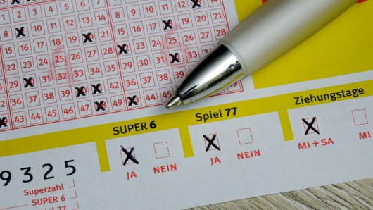 Sechs Richtige! Ein Mann aus Nordhessen hat beim Lotto spielen (fast) alles richtig gemacht. Doch eine Zahl brachte ihn um den Millionengewinn. (Symbolbild)
