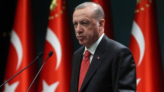 Der Präsident der Türkei, Erdogan, will wieder an seine Wähler rantreten.