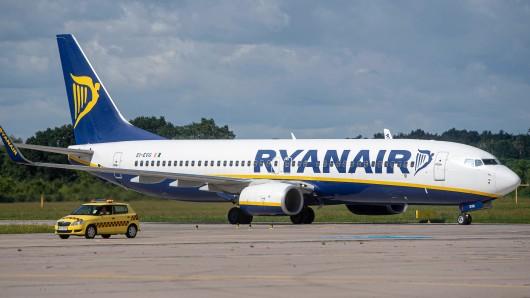 Gegen eine Ryanair-Maschine ist eine Bombendrohung eingegangen – und das mitten auf dem Flug! (Symbolfoto)
