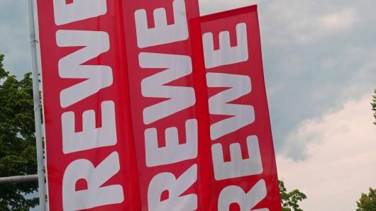 Rewe: Eine Kundin erhielt vom Supermarkt eine Nachricht, die sie einfach nicht fassen kann. (Symbolbild)