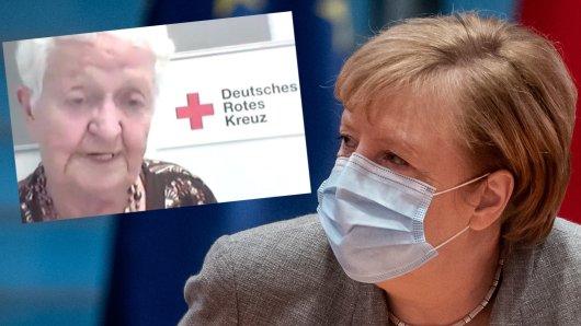 Angela Merkel im Gespräch mit der Pflegeheim-Bewohnerin Friede Valentin.