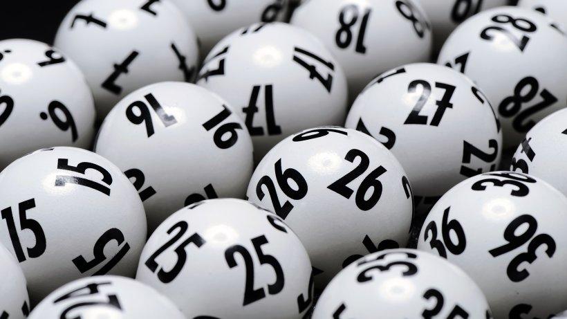 Lotto-Ziehung-live-im-TV-pl-tzlich-geht-ein-Alarm-los