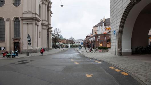 Das Verbot macht sich in den Fußgängerzonen in München bemerkbar.