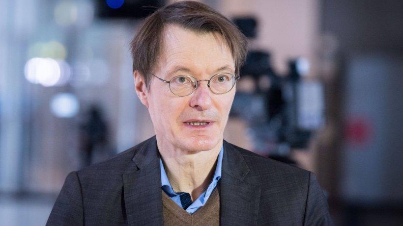 Karl Lauterbach warnt vor großer Corona-Gefahr – und zieht dabei einen Vergleich, den jeder versteht