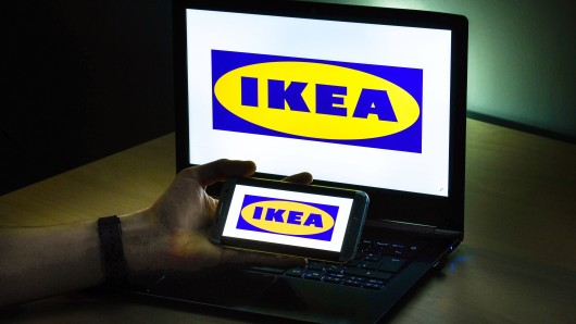Der schwedische Möbelriese Ikea hat Ärger mit einer Online-Kundin. (Symbolfoto)
