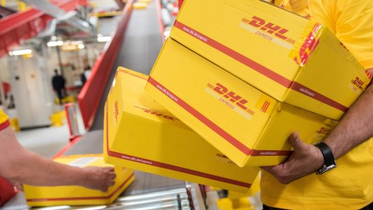 DHL-Pakete bargeldlos aufgeben? Für Kunden noch problematisch. (Symbolbild)