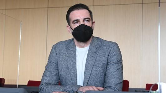 Christoph Metzelder vor dem Amtsgericht Düsseldorf.