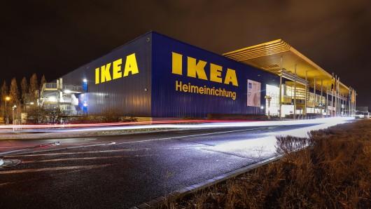 Ikea ruft Produkte des täglichen Bedarfs zurück. Laut dem Möbelriesen bestehe Verletzungs- und Verbrennungsgefahr. (Symbolbild)