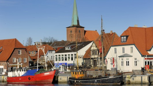 Urlaub an der Ostsee: In Neustadt in Holstein verschwindet ein bekanntes Gebäude. Das gefällt einigen gar nicht.