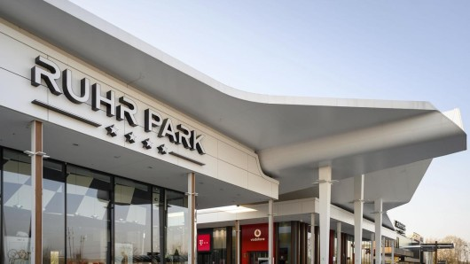 Ruhrpark Bochum: Jetzt gibt es eine Änderung, die den Kampf um Parkplätze am Einkaufszentrum noch weiter verschärfen könnte. (Symbolbild)