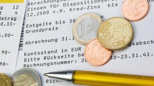 Für Sparkasse, Deutsche Bank und Co hagelt aktuell reichlich Kritik. (Symbolbild)