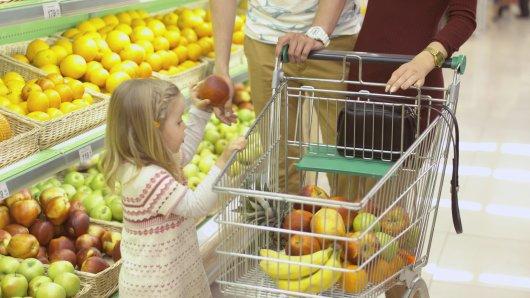 Aldi und Co.: Vielen Kunden ist ein Detail an den Einkaufswagen gar nicht bekannt. (Symbolbild)