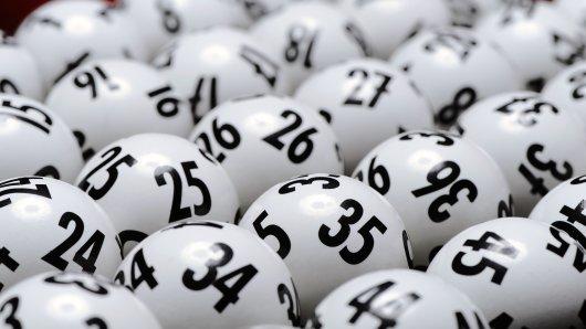 Passend zum Tag der deutschen Einheit am kommenden Mittwoch (3. Oktober 2018) wartet mit 17 Millionen Euro der zweithöchste Lottojackpot des laufenden Jahres.
