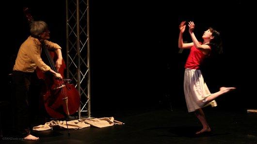 """Das Tanztheaterstück """"Mein Schloss"""" beschäftigt sich mit dem Thema Autismus. Unterstützt wird das Projekt des Vereins Autismus Wuppertal/Düsseldorf-Bergisches Land e.V. von der Rentenlotterie GlücksSpirale."""