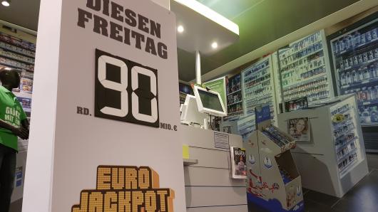 Das Jahr 2018 erweist sich als außergewöhnliches Eurojackpot-Jahr. Wenn diese Woche der Mega-Jackpot von 90 Millionen Euro ausgespielt wird, ist es bereits die zehnte Ziehung in diesem Jahr, wo der Jackpot auf seinem Maximalbetrag steht.