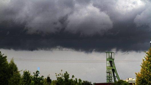 In mehreren Städten im Ruhrgebiet soll es am Sonntagnachmittag gewittern.