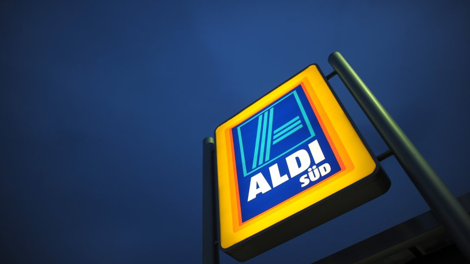 Aldi Gasgrill Verfügbarkeit : Aldi discounter hat riesige Überraschung für alle grill fans