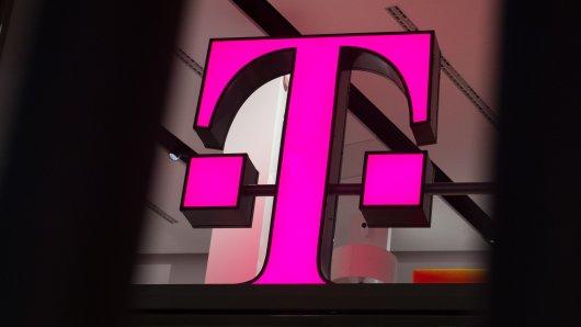 Die Deutsche Telekom wird jede fünfte Filiale schließen. (Archivbild)