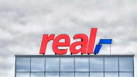 """Der Supermarktkette """"Real"""" drohen viele Schließungen."""