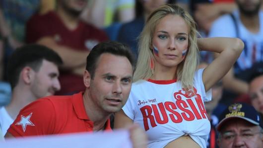 Ein WM-Ratgeber des Argentinischen Fußballverbandes AFA gibt Tipps, um Russinen ins Bett zu kriegen.