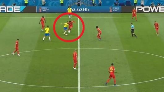 Brasilien gegen Belgien: Neymar stand mal wieder im Fokus. In diesem Zweikampf bekam er einen Schlag von Marouane Fellaini ab.