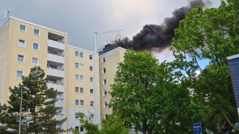 hochhaus am b renplatz zwei verletzte bei brand in deininghausen castrop rauxel. Black Bedroom Furniture Sets. Home Design Ideas