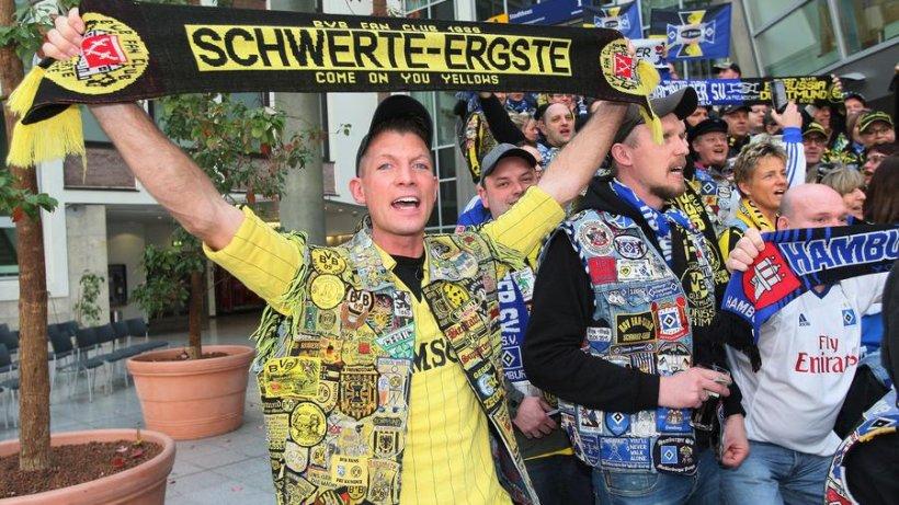 BVB- und HSV-Fans treffen sich in Kuttenpracht - derwesten.de