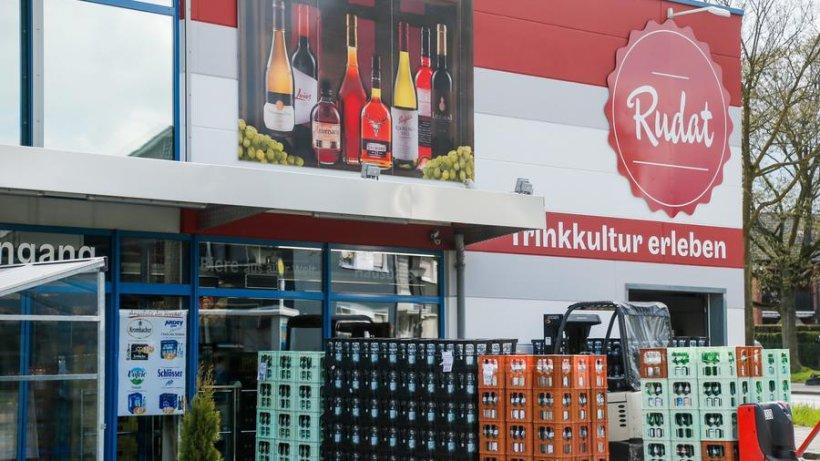 Dieser Getränkemarkt hat 700 verschiedene Biersorten im Angebot ...