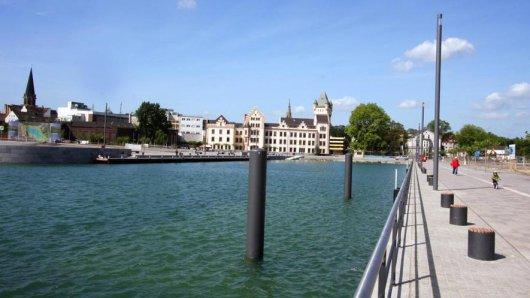 Im Hafenbecken des Phoenix-Sees sollen die Triathleten ins Wasser gehen.