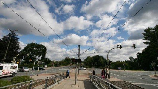 An dieser Stadtbahnhaltestelle wurden die Bayernfans überfallen.